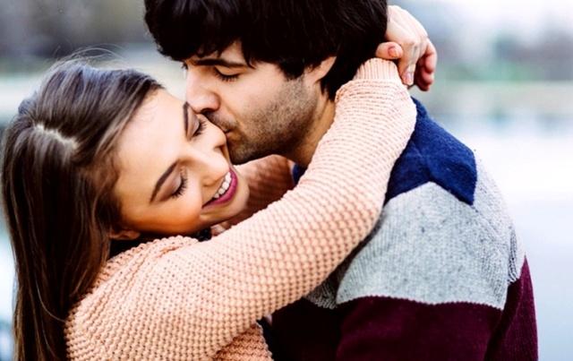 मुझे याद है ( रोमैंटिक कविता हिन्दी में ) - Romantic Kavita in Hindi