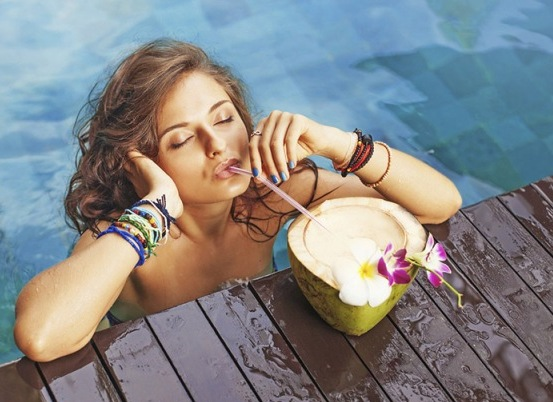 Nariyal Pani ke fayde coconut water benefits hindi