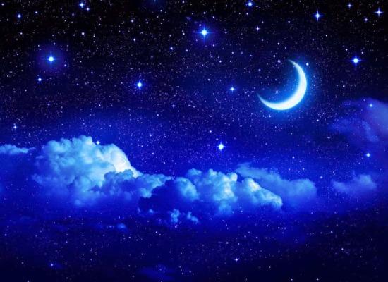 Chand Par Kavita Hindi me - Poem on Moon in Hindi - चाँद पर कविता