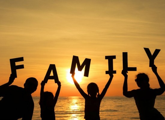 41 Happy Family Quotes in Hindi language Happy family Quotes in hindi