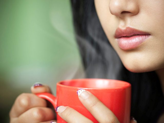 Garam Pani Ke Fayde | गर्म पानी पीने के फायदे ||| hot water benefits in hindi ||
